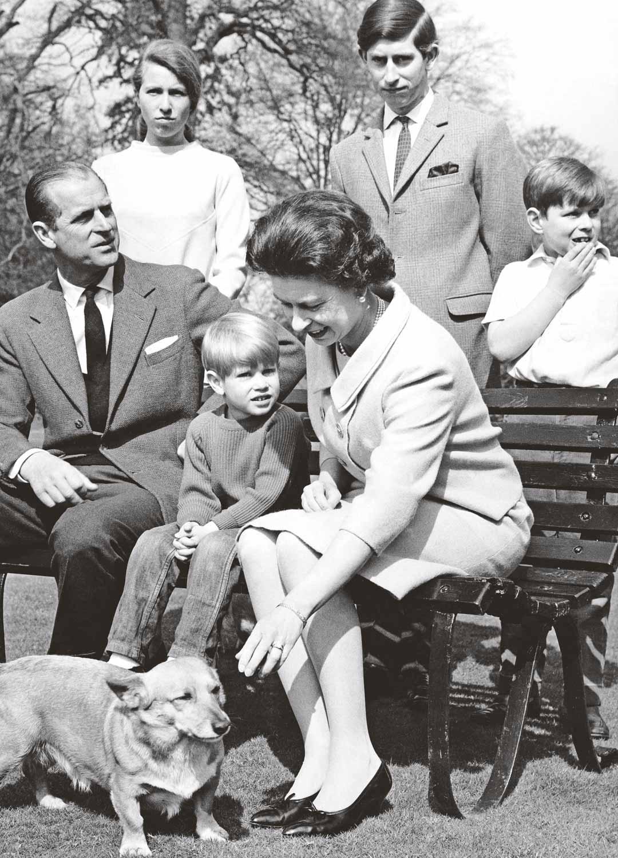 Kuninkaallinen perhe yhteiskuvassa vuonna 1968