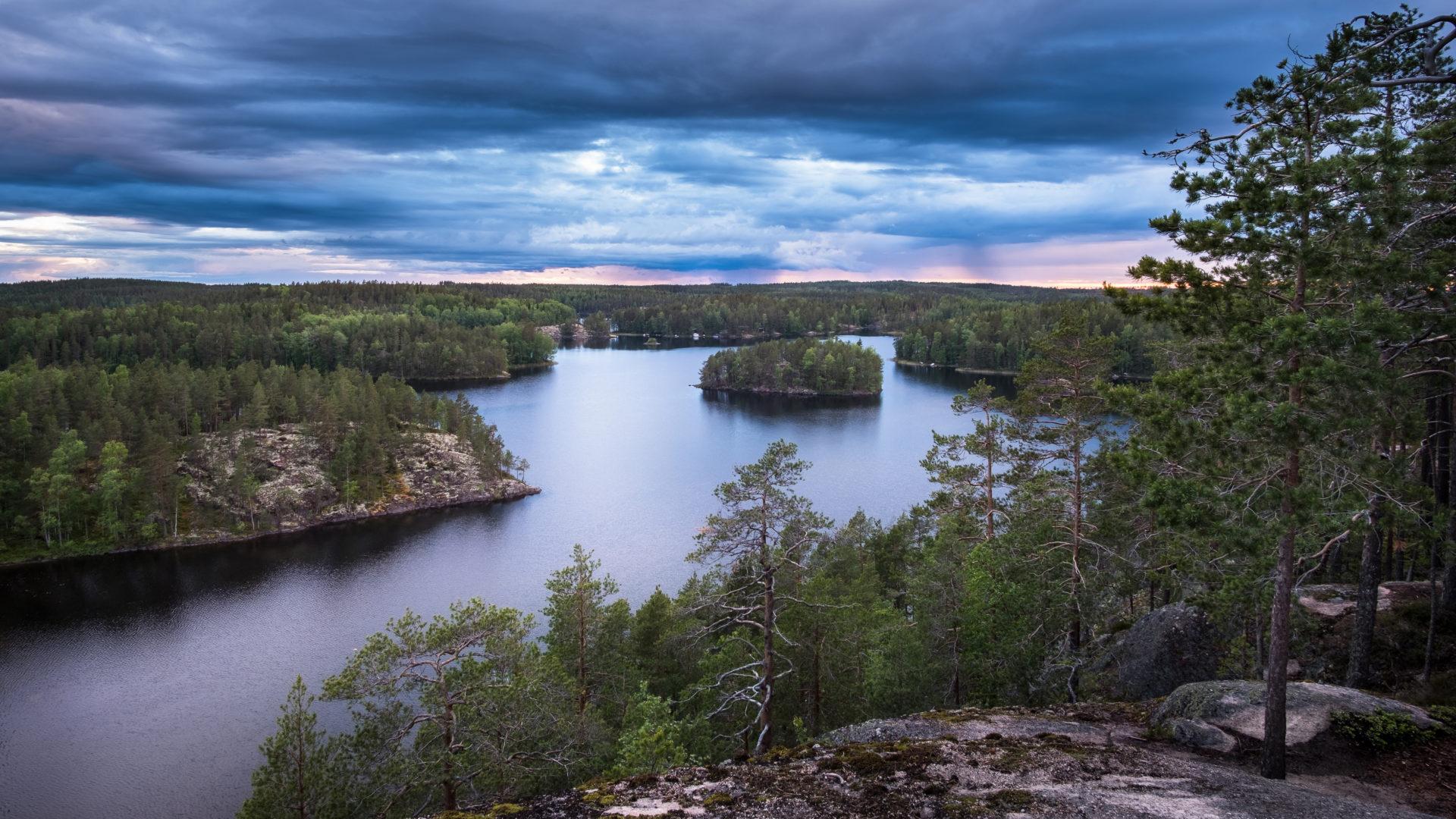 Repoveden kansallispuisto sopii monen tasoisille retkeilijöille.