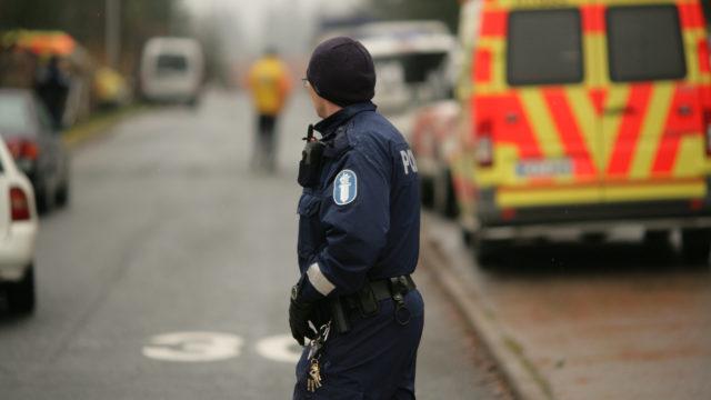 Poliisit kohtaavat yhä useammin väkivaltaa työtehtävissään, ja joistakin tilanteista yli pääsemiseen tarvitaan apua.