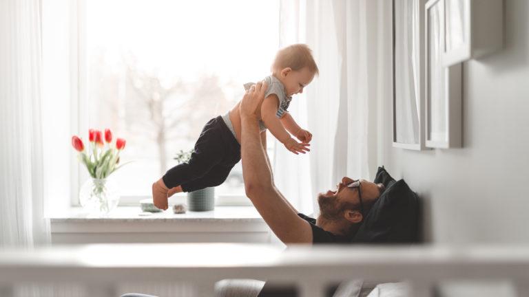 Vauvakuume tulee miehille usein myöhemmin kuin naisille. Se voi iskeä vasta kun kumppani on jo raskaana.