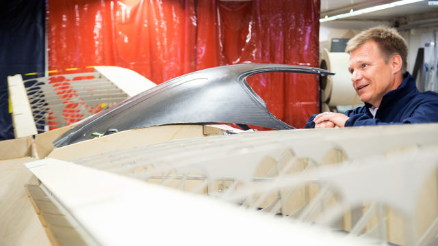 Mika Salo on yksi viidestä Atolin uuden koneen jo tilanneesta asiakkaasta. Hän aikoo lentää konella kotirannastaan Helsingin Tammisalosta.