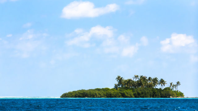 Robinson Crusoe joutui autiolle saarelle.