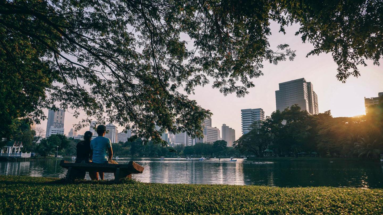 Jos ihminen laittaa sosiaaliseen mediaan puistokuvan, hän on keskimääräistä onnellisempi sillä hetkellä.