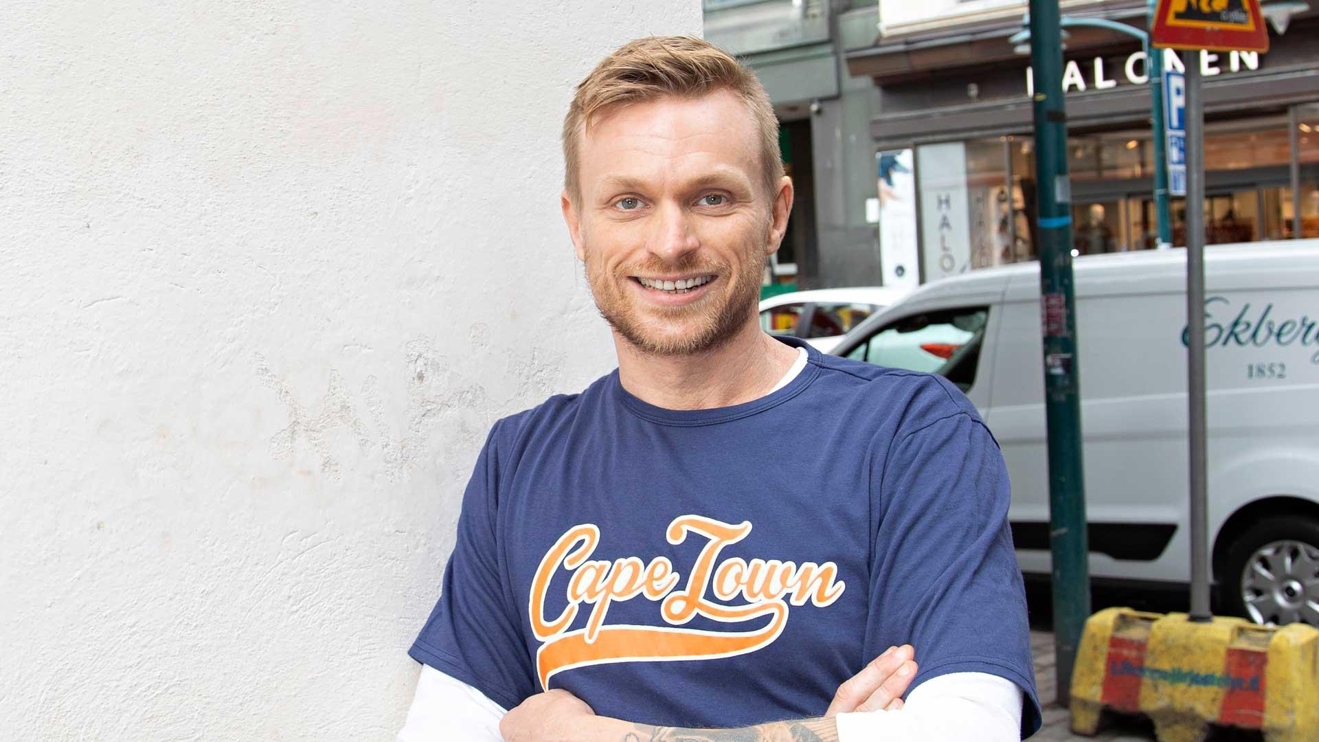 Ex-taikuri, tuottaja Iiro Seppänen kirjoitti elämäkerran rohkaistaakseen ihmisiä uskomaan unelmiin.