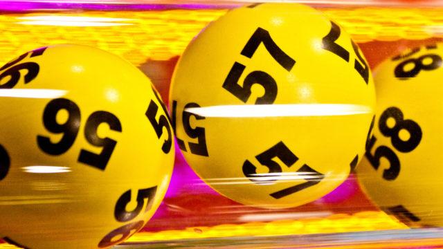 Veikkaus kahvittaa lottovoittajat