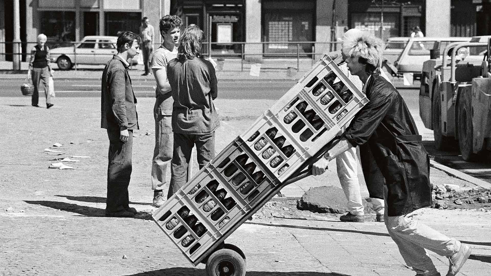 Itä-Berliinissä elettiin aivan erilaista elämää kuin lännessä