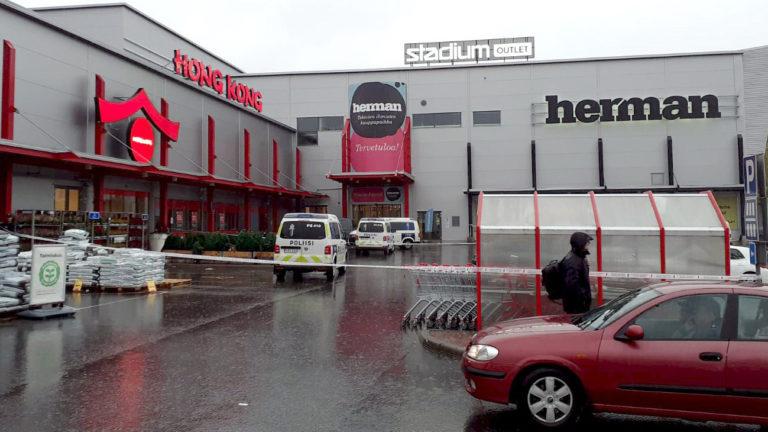 Kuopiossa kauppakeskus Hermannissa, Savon ammattiopiston tiloissa, tapahtui väkivallanteko tiistaina 1. lokakuuta 2019.