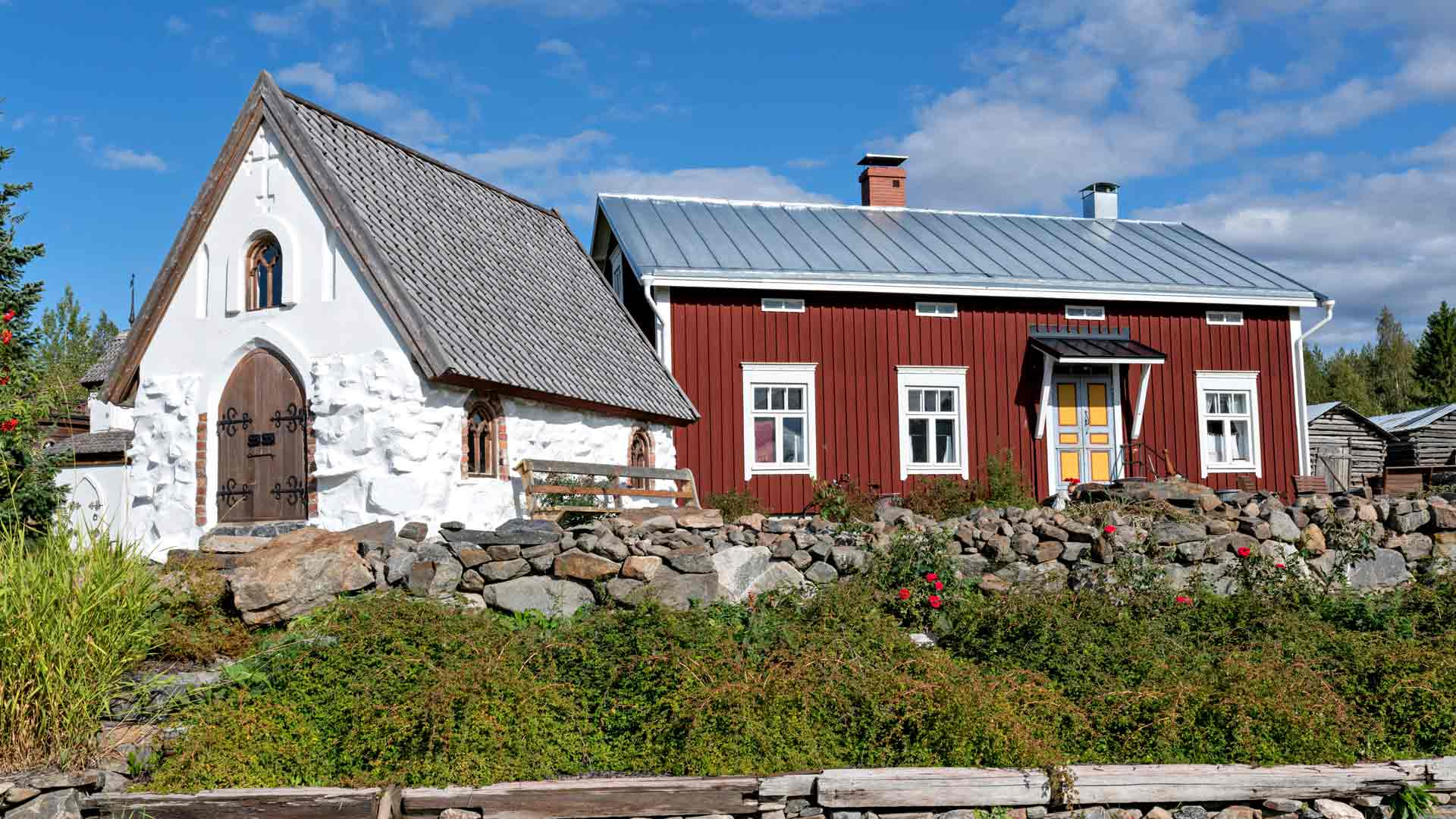 Suomen pienin kivikirkko