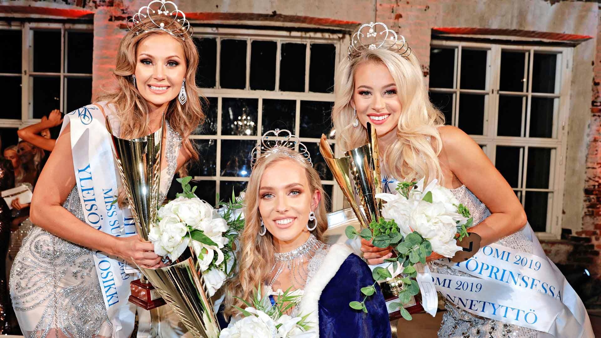 Miss Suomi Anni Harjunpää, perintöprinsessat Riikka Uusitalo ja Jutta Kyllönen