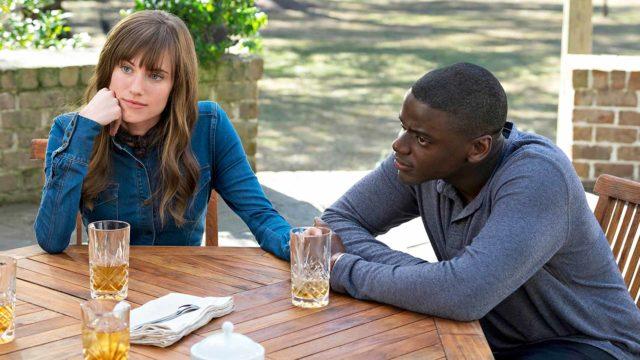 Rose (Allison Williams) Chris (Daniel Kaluuya) piipahtavat sukuloimassa elokuvassa Get Out.