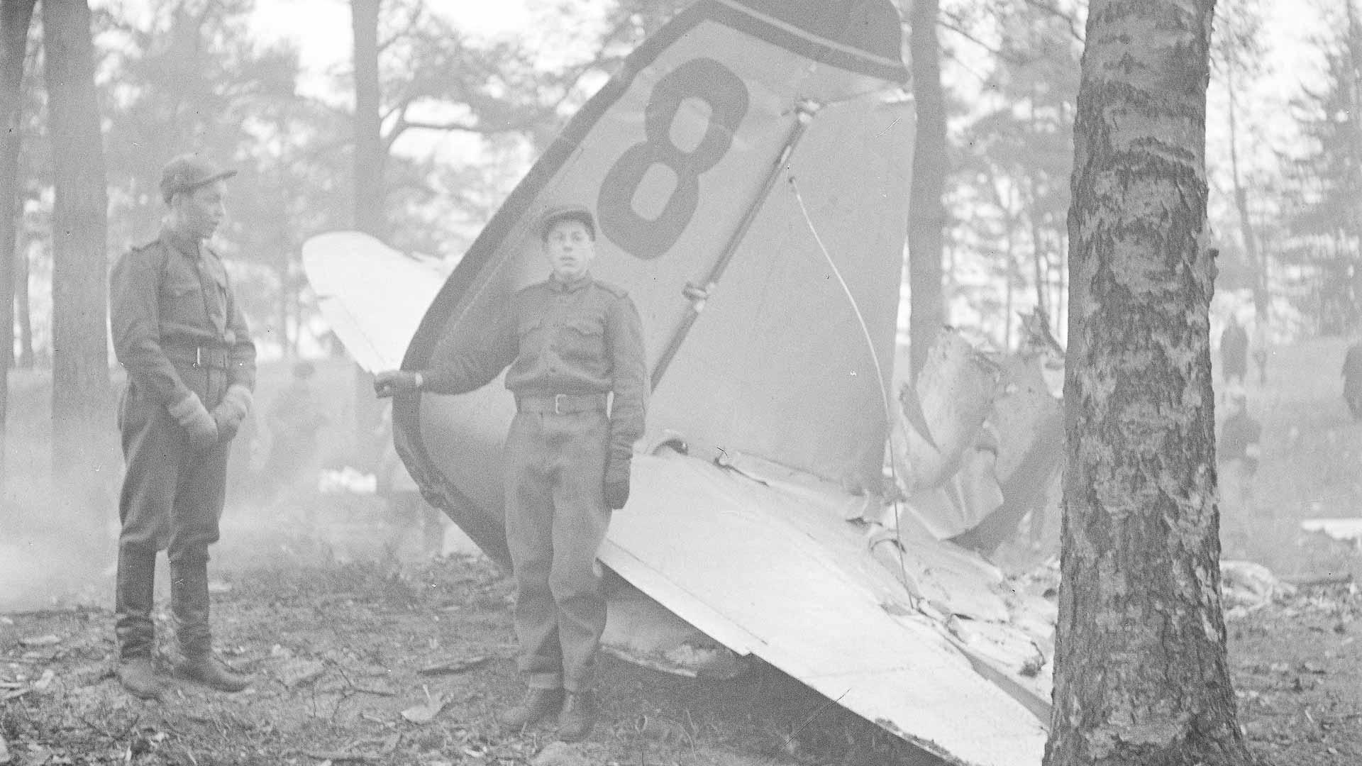 Helsinkiä pommitettiin uudelleen heti joulukuun 1. päivänä, jolloin muutamat SB-koneet tulittivat lisäksi konekivääreillä avoimille paikoille kokoontuneita ihmisiä. Paavalin kirkon luona sai surmansa kuusi helsinkiläistä. Ilmatorjunta osui yhteen koneeseen, joka syöksyi Munkkiniemeen, räjähti ja syttyi tuleen. Ehjänä säilyi vain koneen korkeusperäsin.
