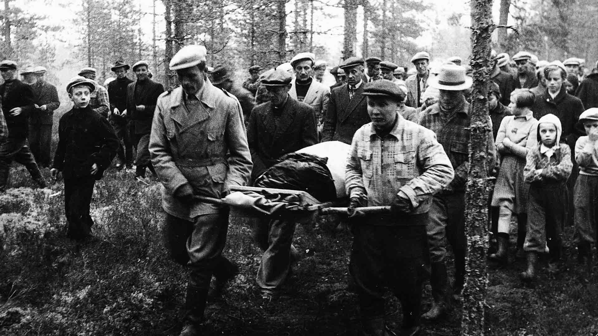 Kyllikki Saari murhattiin 17.5.1953. Hän oli kuollessaan vain 17-vuotias. Ruumis kannettiin väkijoukon keskeltä autoon.