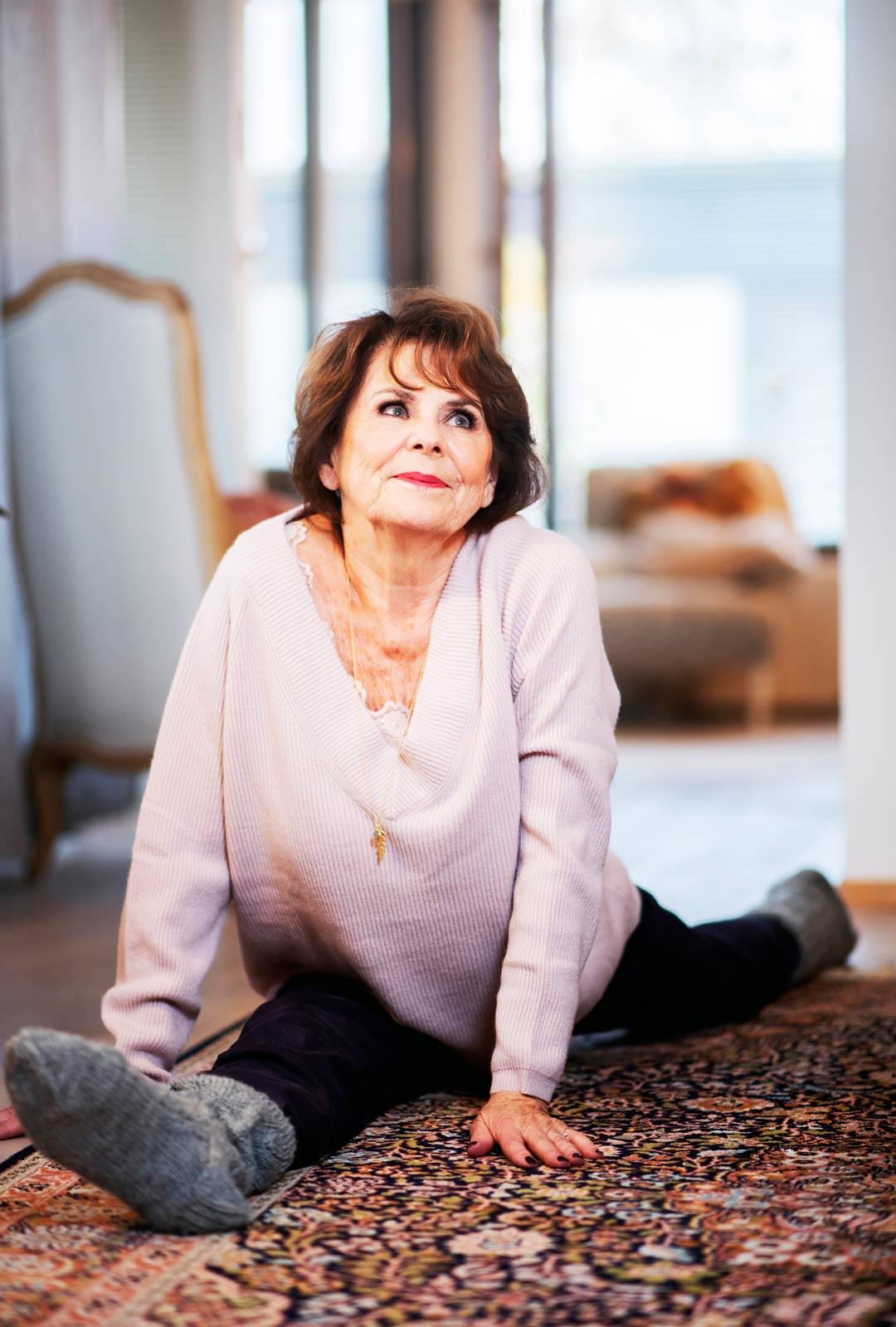 Pirkko innostui joogasta jo 60-luvulla ja harrasti pitkään voima- eli astanga-joogaa. vanhemmiten hän innostui rauhallisesta yin-joogasta.