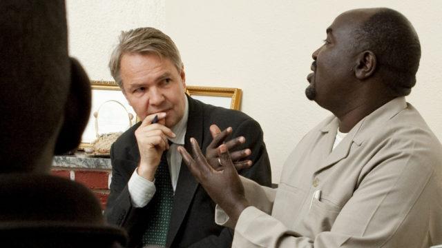 Rauhantekijä Pekka Haavisto Eritrean matkalla Afrikassa vuonna 2010.