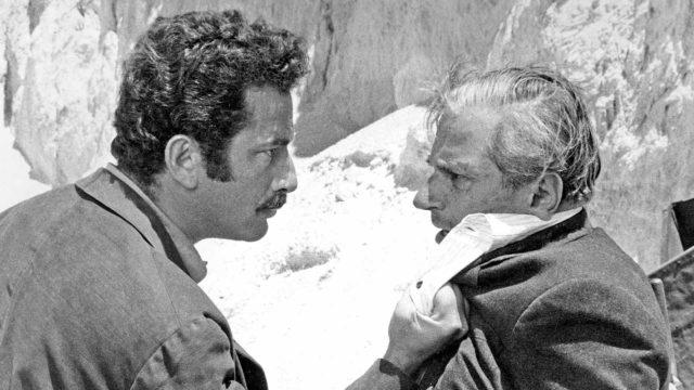 Amerikkalaisnäyttelijä Frank Wolff (vas.) näyttelee ristiriitaisen Salvatore Giulianon serkkua Gaspare Pisciottaa.