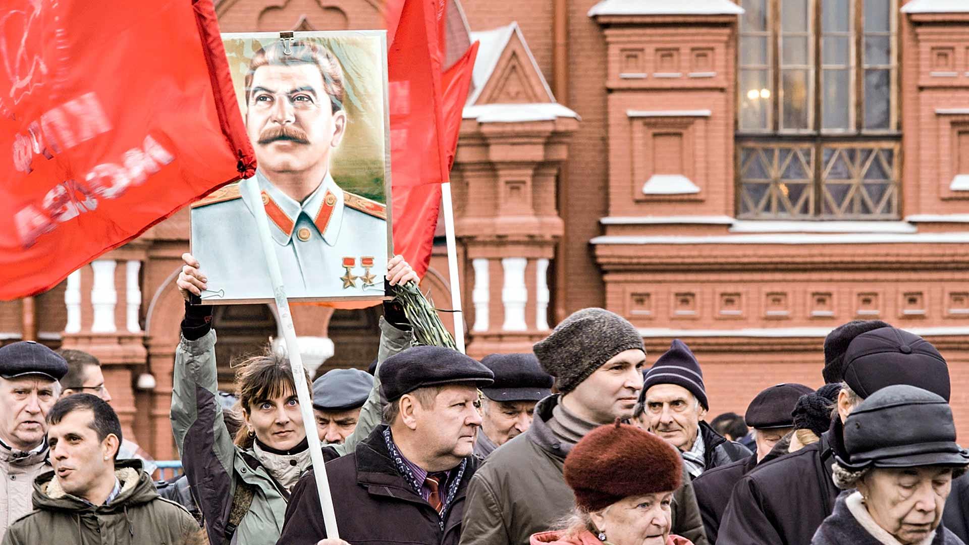 Ihailu vanhaa neuvostojohtajaa kohtaan kasvaa Venäjällä samassa tahdissa nationalismin nousun kanssa.