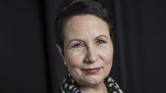 Suvi-Anne Siimes suhtautuu luottavaisesti työmarkkinoihin