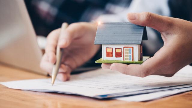 Myynkö asunnon sukulaiselle halvalla vai otanko vuokralle?