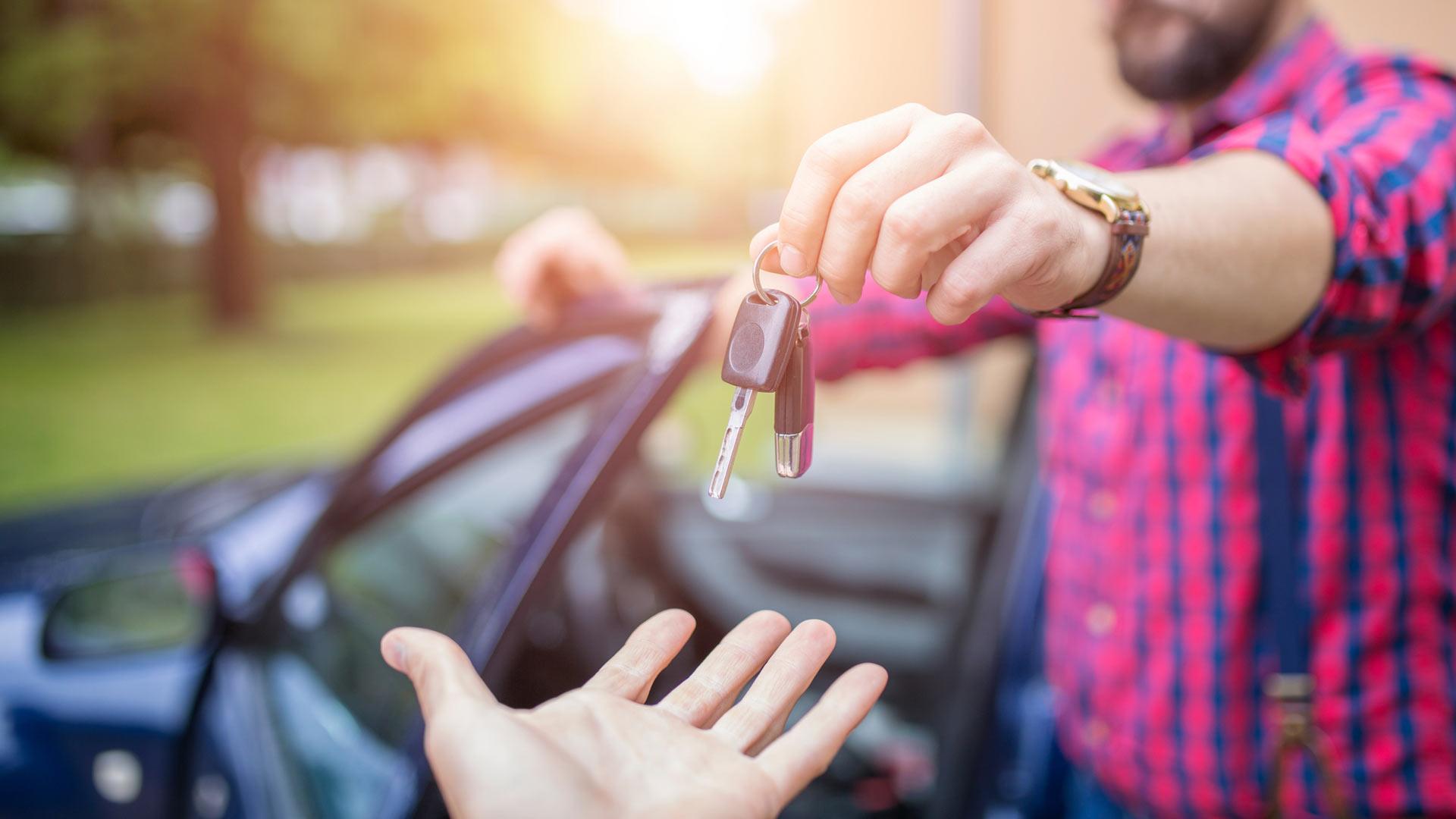 Voinko lahjoittaa autoni lapsenlapselleni ilman veroseuraamuksia?