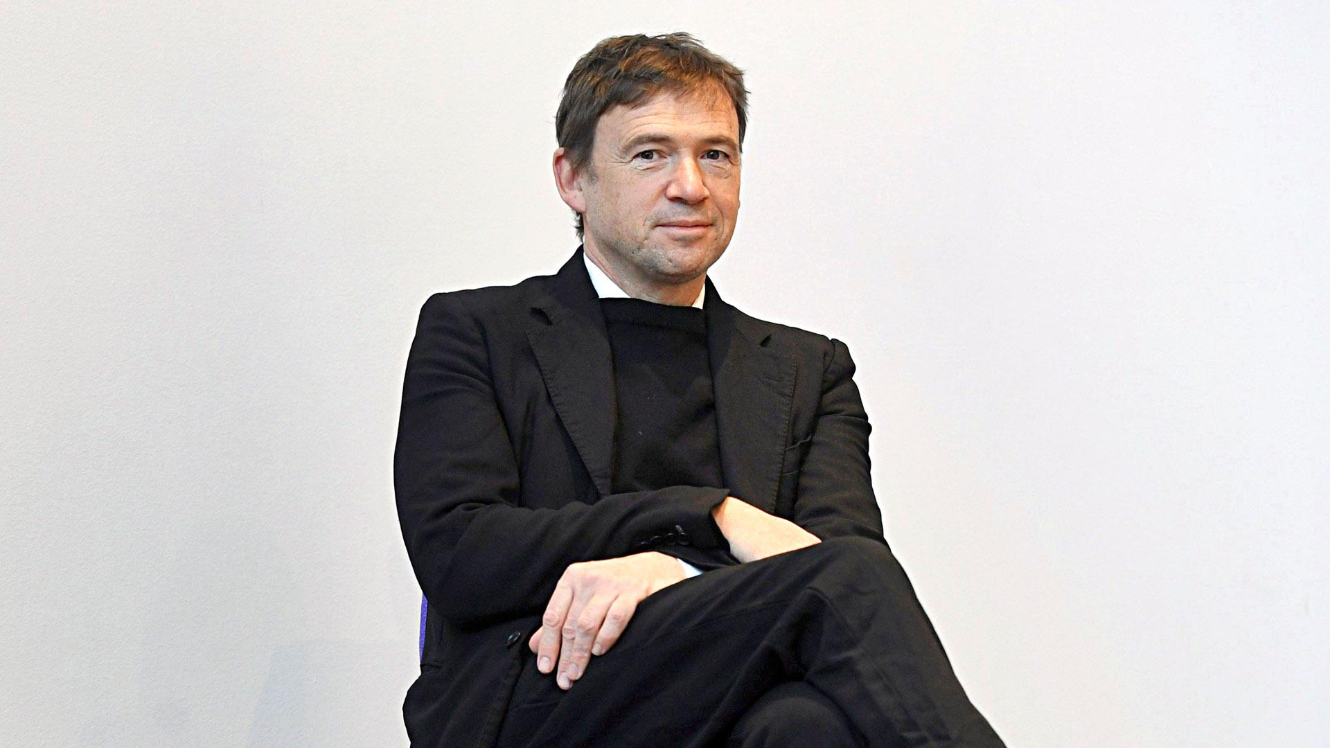 David Nicholls on käsikirjoittanut TV-sarjoja, muun muassa Rimakauhua ja Rakkautta.