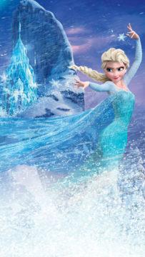 Taikavoimillaan lunta ja jäätä hallitseva Elsa saattaa siskonsa hengenvaaraan Disneyn animaatioelokuvassa Frozen – huurteinen seikkailu.