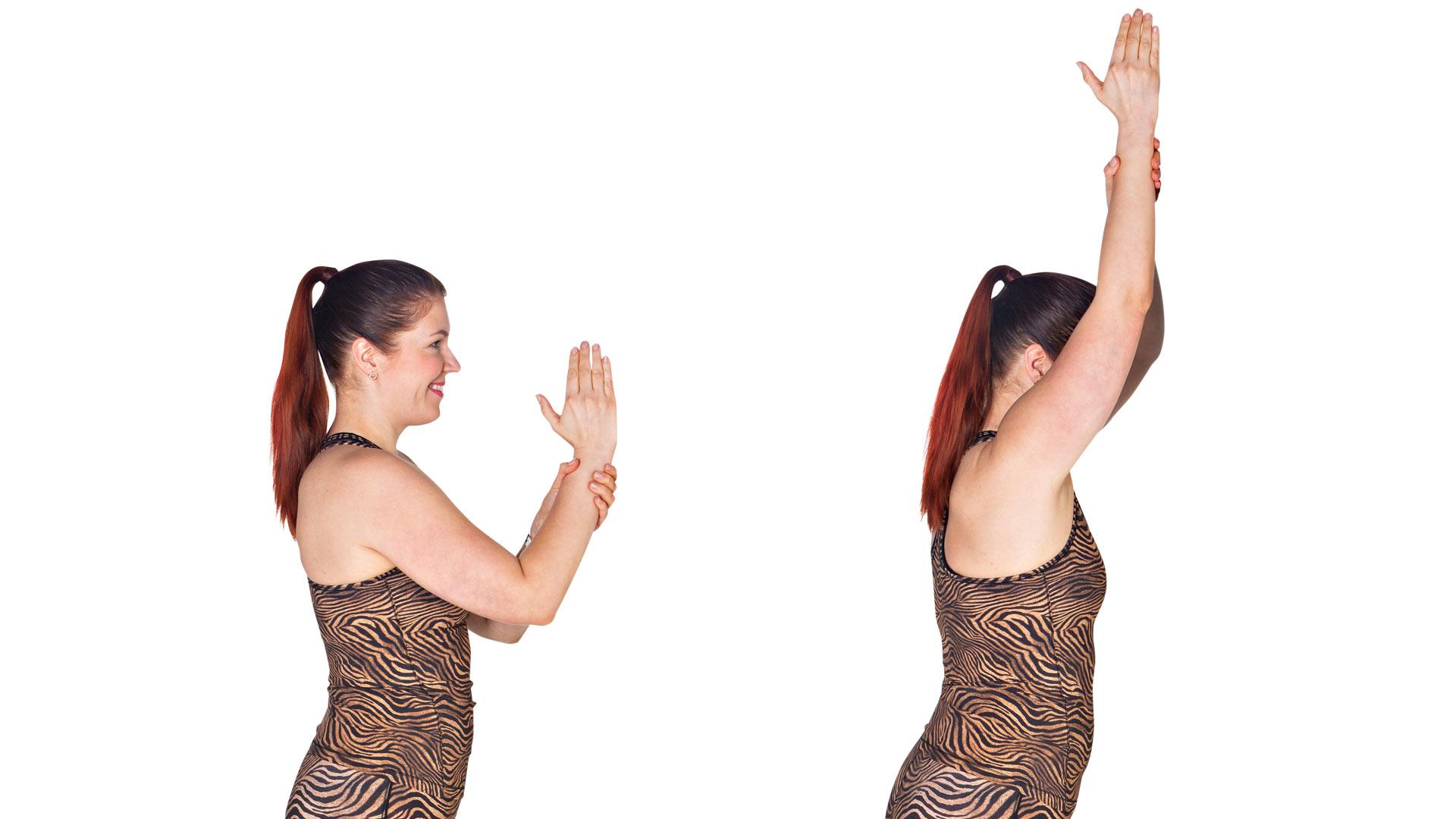 Liu'uta kättä seinää pitkin niin ylös kuin pystyt ja nojaa kohti seinää.