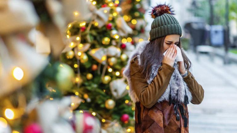 Tuoksuherkkä kärsii monista jouluisista tuoksuista. Oletko ottanut huomioon joulukukkien lisäksi myös kuusen ja ruoan tuoksut?