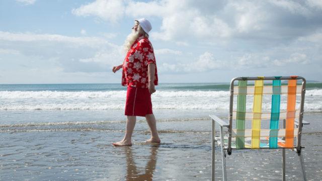 Kari Väänänen näyttelee uusiseelantilaisessa komediassa joulupukkia, joka karkaa stressilomalle.