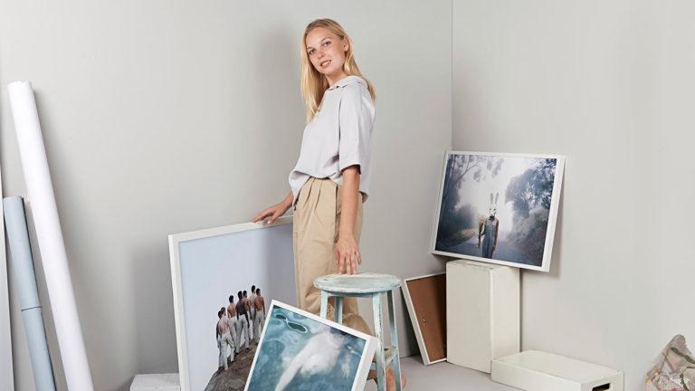 Los Angelesissa asuva Lotta Lemetti voitti kansainvälisen valokuvakilpailun kuvillaan, jotka käsittelevät Kalevalaa ja muita suomalaisia klassikkoja.