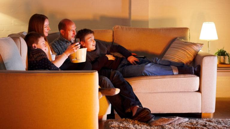 Joulun pyhien tv-ohjelmisto tarjoaa paljon katsottavaa koko perheelle.