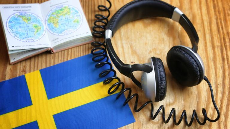 Ruotsin kieli aiheuttaa päänvaivaa vanhemmille, jotka haluavat lapsistaan kaksikielisiä.