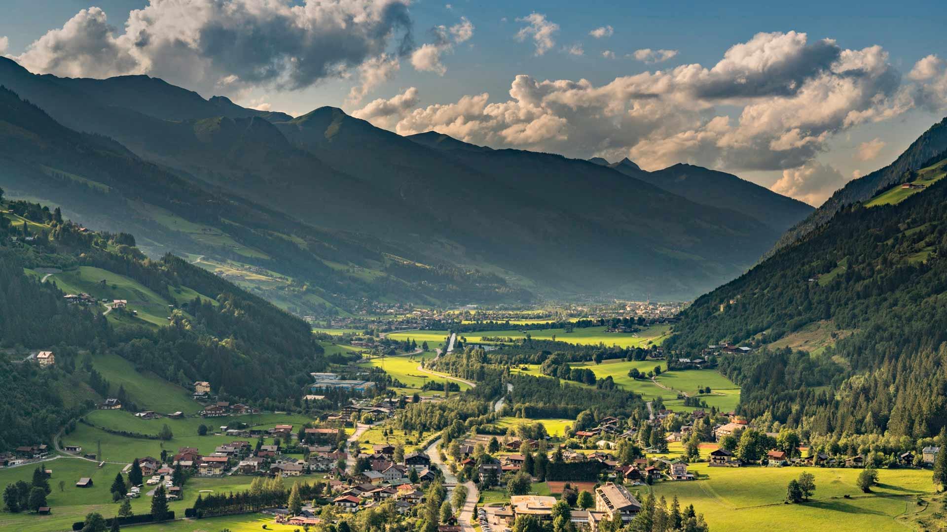 Gasteinin laakson upeat maisemat hivelevät katsojan silmiä.