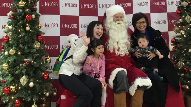 Suomalaista joulupukkia arvostetaan Japanissa. Samuli Lahtinen matkusti joulukuussa 2019 kolmatta kertaa pukkikeikoille.