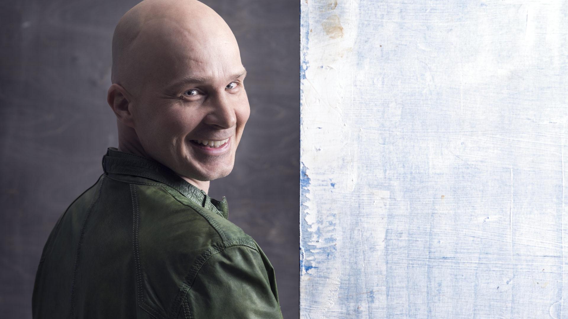 Laulaja Marko Maunuksela koki kummia lentäessään kotimaassa.