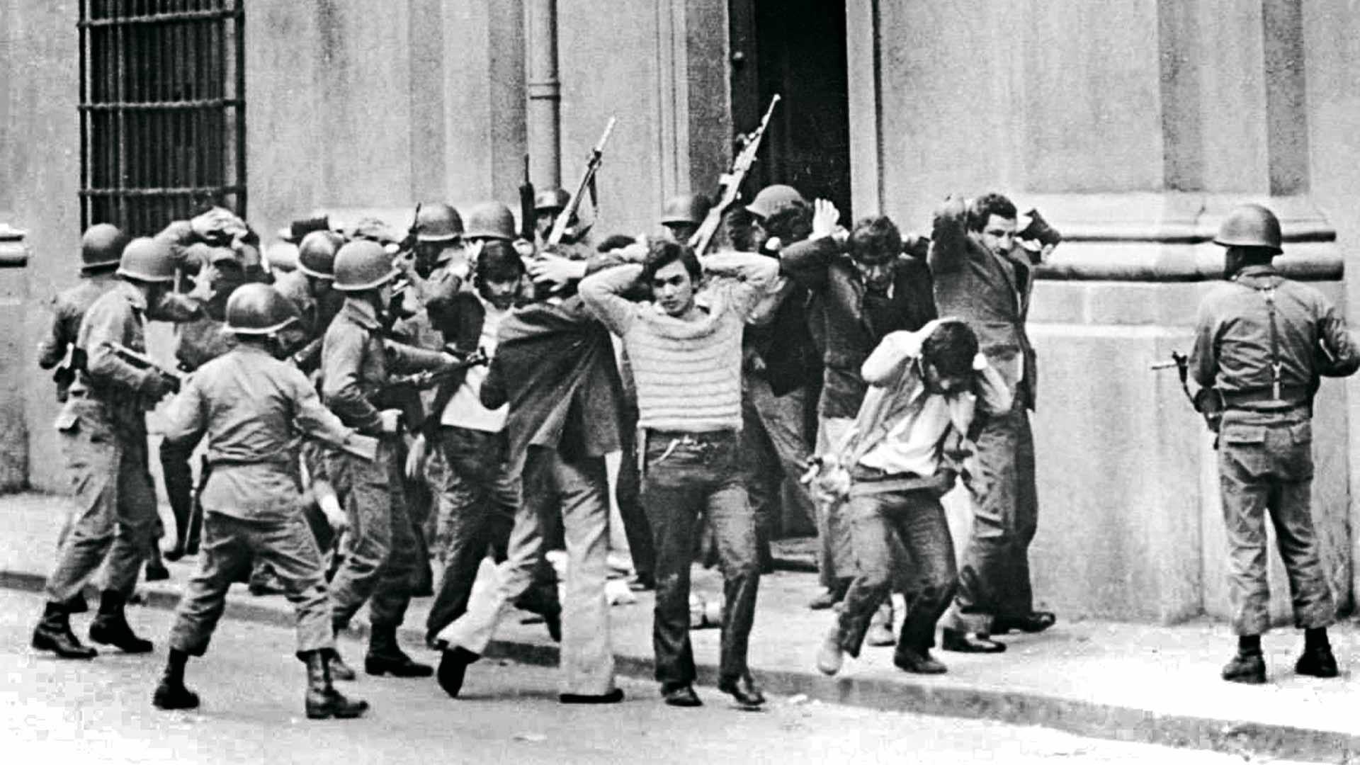 Pinochetin aikakaudella sadattuhannet chileläiset joutuivat lähtemään pakolaisena maastaan.