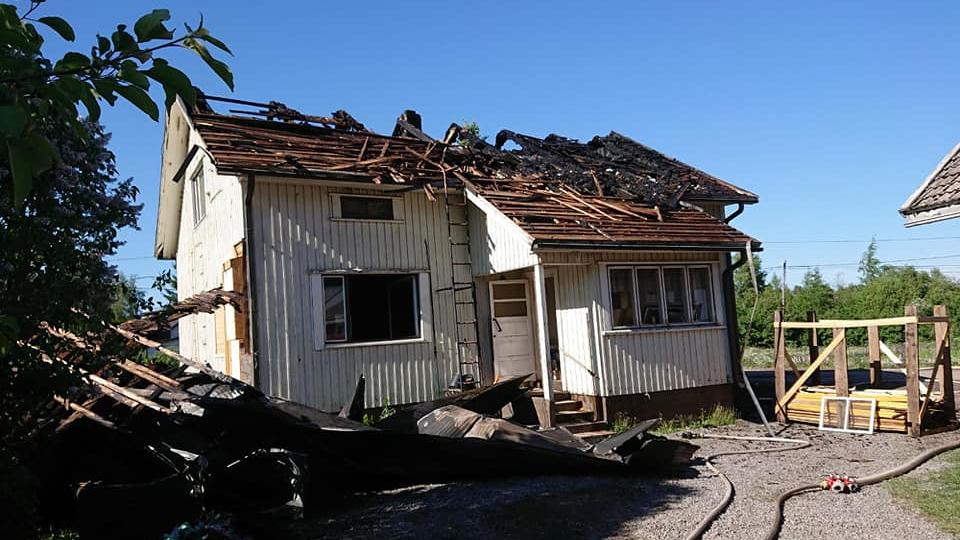 Omakotitalo paloi asumiskelvottomaksi. Tästä alkoi kiistely korvauksista vakuutusyhtiön kanssa: talon omistajat saivat petossyytteen.