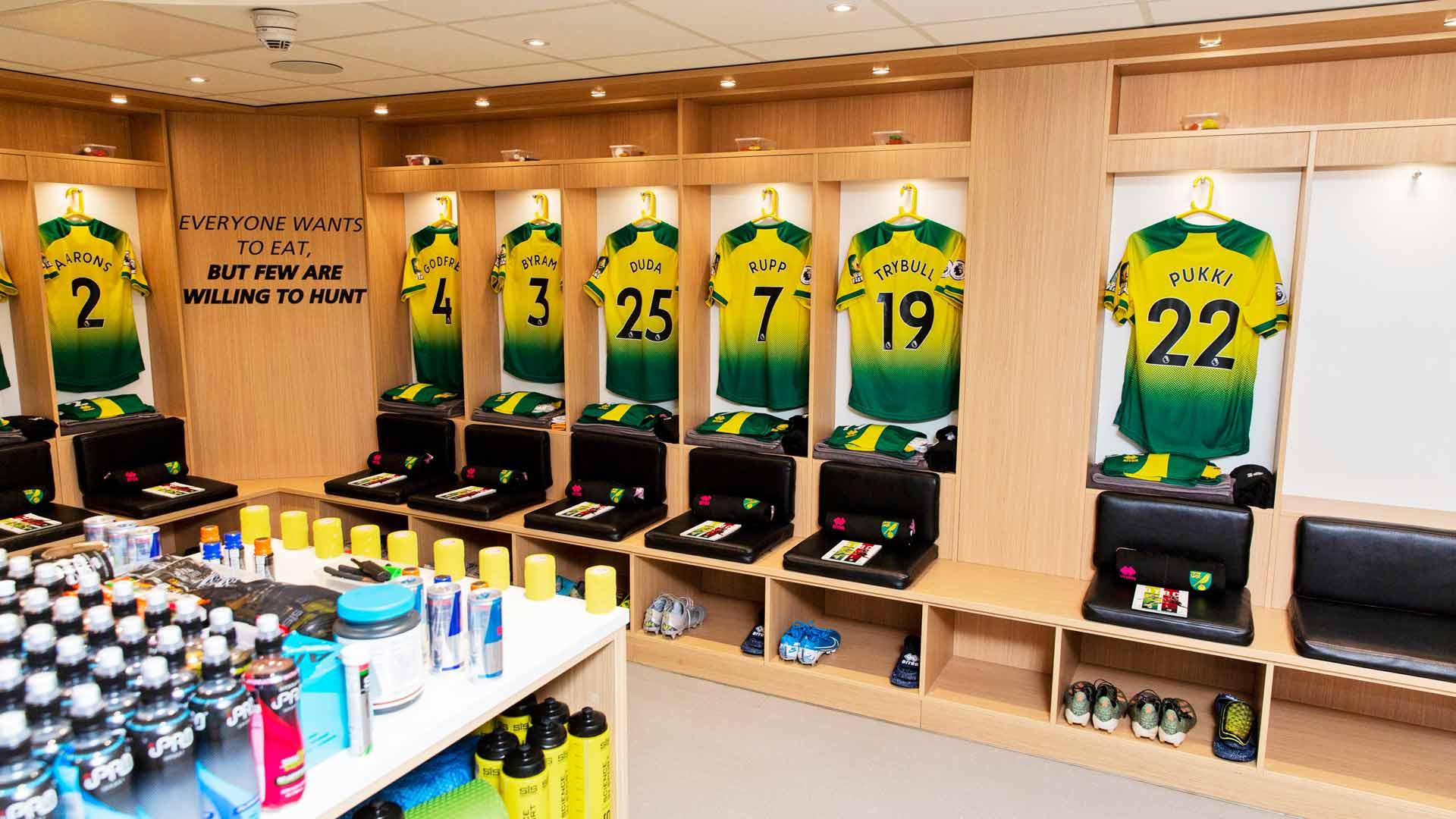 Tältä näyttää Norwich Cityn pukuhuoneessa ennen ottelun alkua.