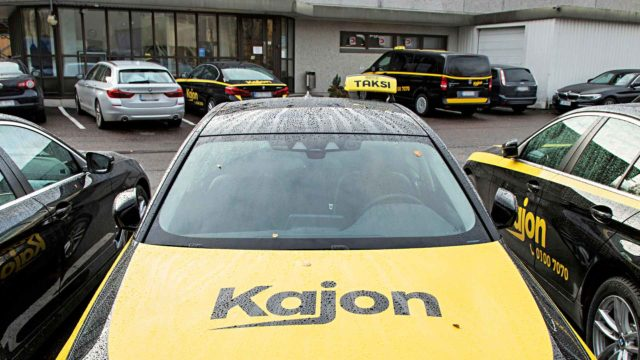 Seura kertoi vuonna 2019 Kajonin erikoisista toimintatavoista. Yhtiö oli eri mieltä jutuissa haastateltujen ihmisten näkemyksistä, mutta kerrotuista asioista ei löytynyt virheitä.