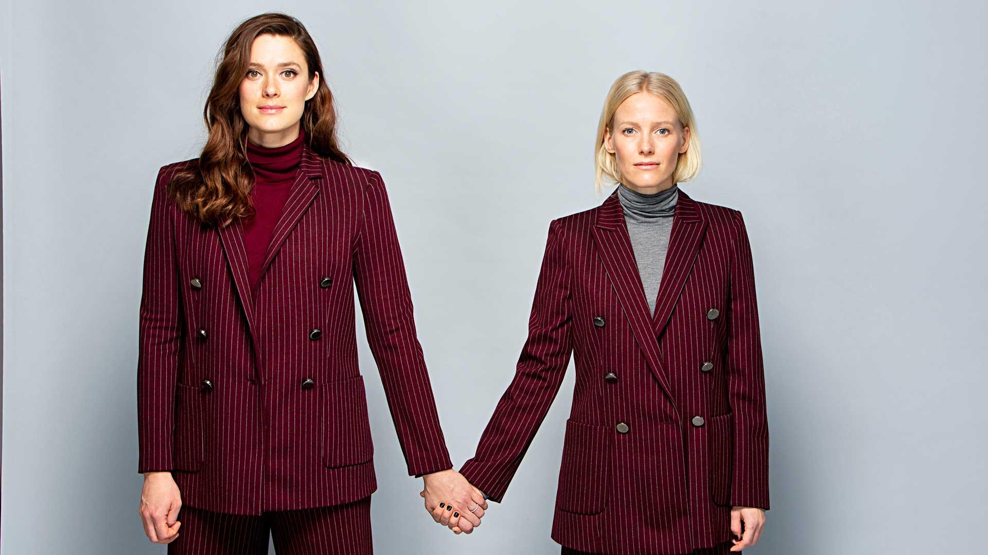 """Näyttelijät Krista Kosonen ja Laura Birn voivat nykyään valita, millaisiin projekteihin lähtevät mukaan. """"On osa taiteilijuutta pohtia, millaisia tarinoita kerrotaan."""""""
