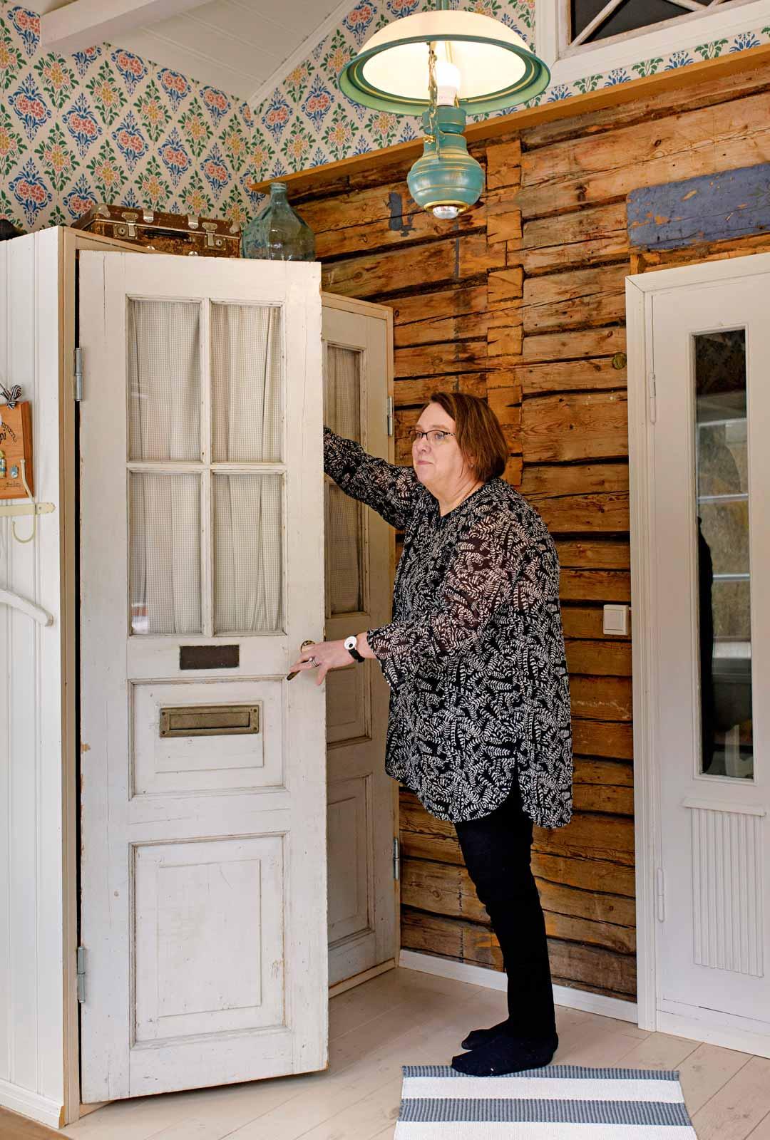Ulko-ovet pääsivät vaatekaapin oviksi.