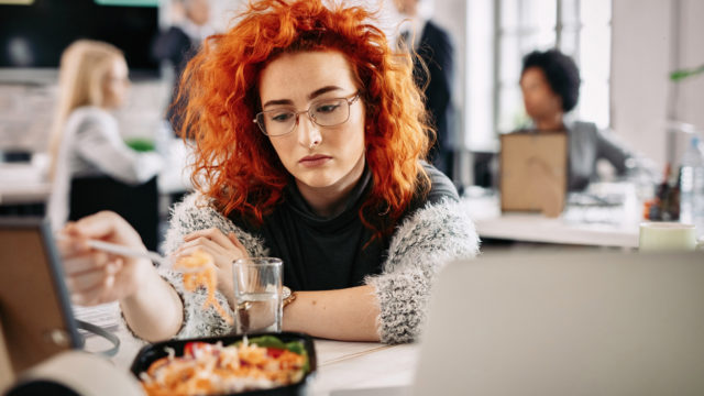 Ruokarajoitukset aiheuttavat yksinäisyyden tunnetta.