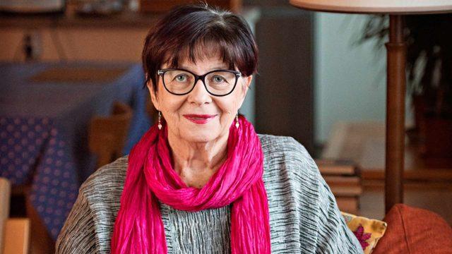 Helsinkiläinen Satu Koskimies peri anopinkielen äidiltään lähes 20 vuotta sitten.