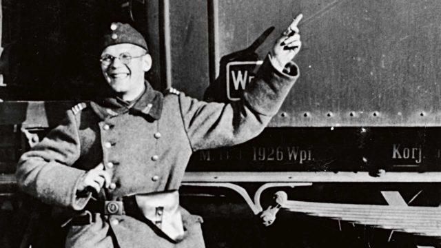 Sisällisodan tragediat alkoivat vaivata Kekkosta enemmän vasta vanhoilla päivillä. Aikalaisille hän kuvaili Kajaanin paikallislehdessä sotaa ja sodanjälkeistä kommunistien metsästystä kuin poikien seikkailukertomuksina, jopa hurtilla huumorilla.