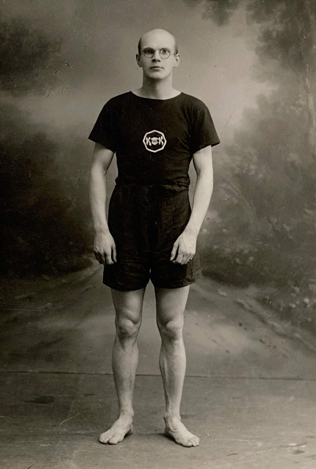 Nuori Urho Kekkonen oli taustaltaan täydellinen ihminen salaisen poliisin työhön: älykäs, tarkkaavainen ja kilpaurheilussa hyvän fyysisen kunnon saanut monilahjakkuus. Kuva vuodelta 1924.
