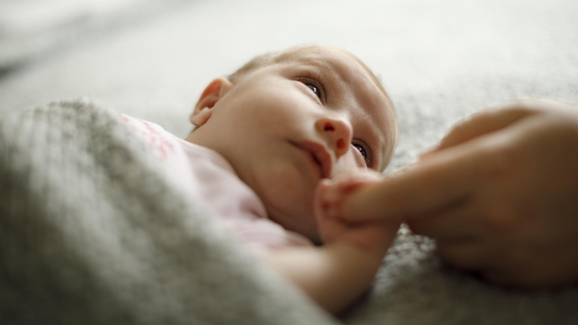 Avioliiton ulkopuolella on syntynyt sama määrä lapsia jo satoja vuosia.