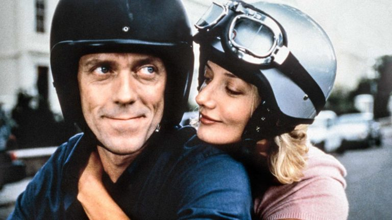 Hugh Laurie ja Joely Richardson elokuvassa Vauvakuume.
