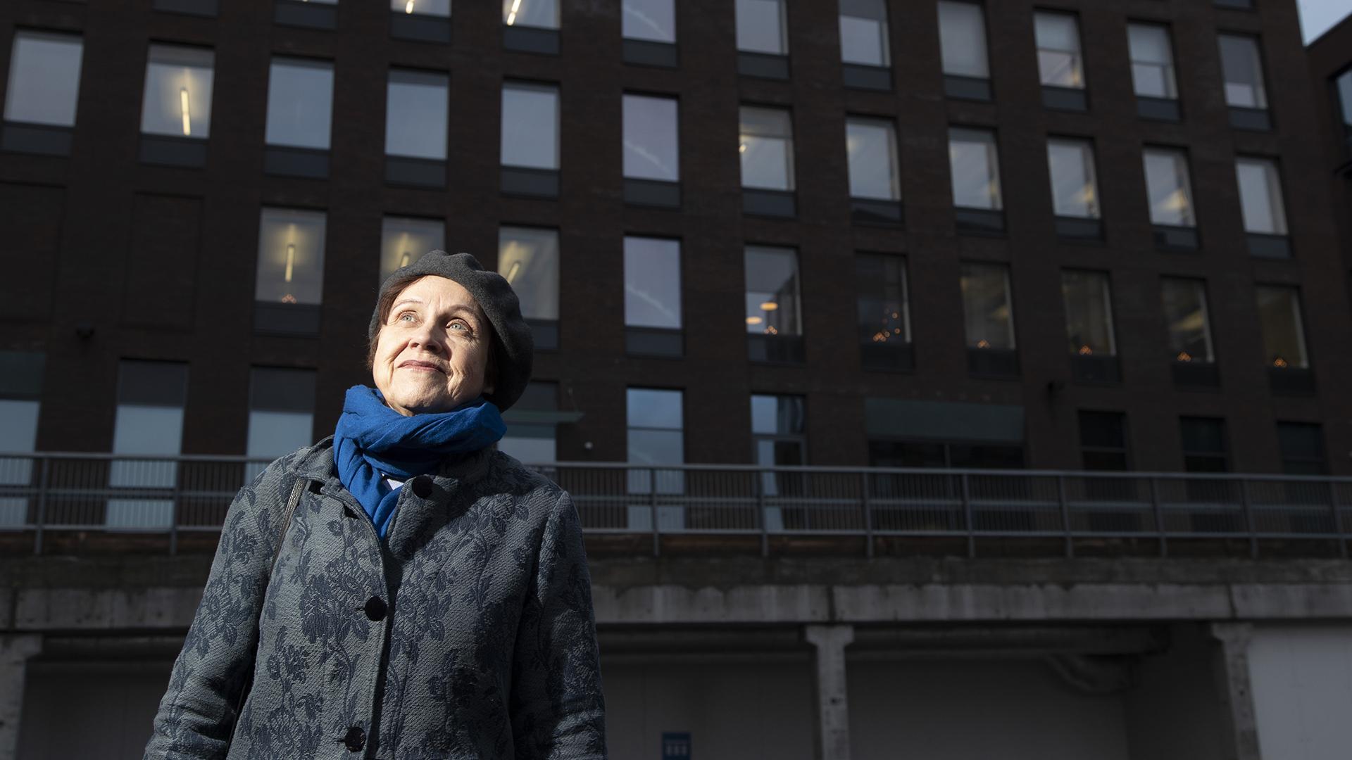 Kirjailija Virpi Hämeen-Anttila kärsi syömishäiriöstä nuorena. Laihduttaminen on ollut hänelle tuttua.