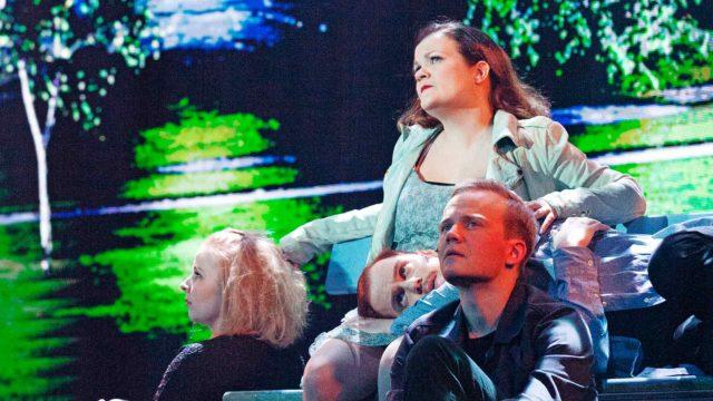 Suomen Komediateatterin Haloo Helsinki -musikaali.