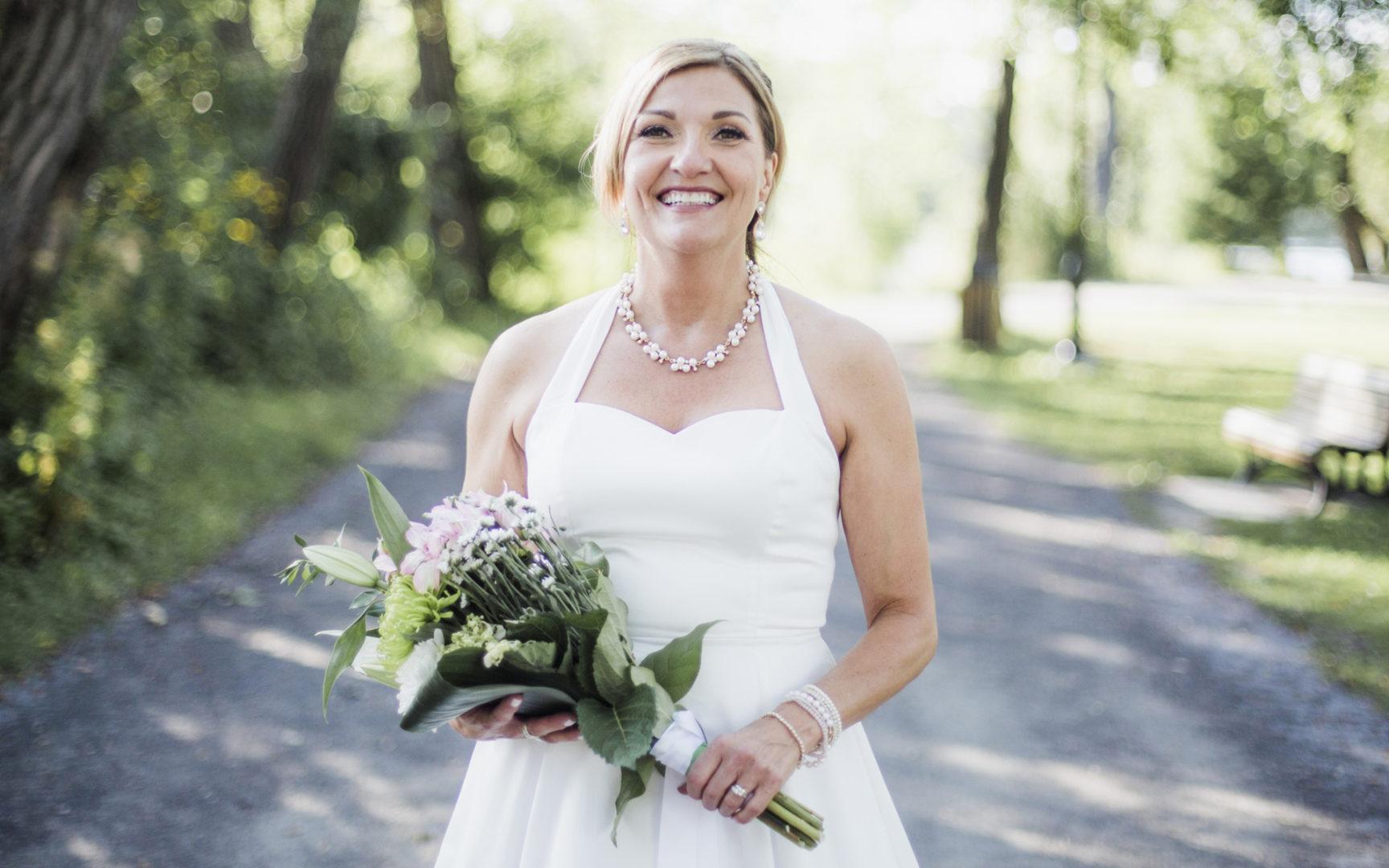 Oletko menossa naimisiin tänä vuonna? Jos olet yli 50-vuotias morsian, hae nyt Viva-lehden Morsian-muuttujaksi.