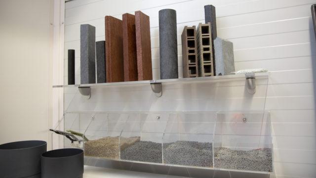 Uusiomuovi on hyvä raaka-aine rakennuspalkkeihin, joita voi käyttää esimerkiksi meluvalleissa ja hevostalleissa.